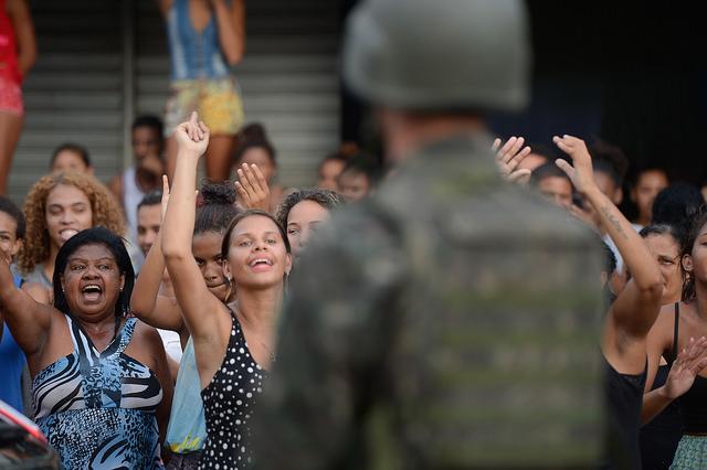 An Urban War Zone – The violent crisis in the Espirito Santostate.